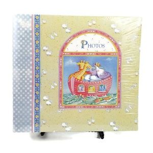 CR Gibson Cathy Heck Noah's Ark Baby Photo Album